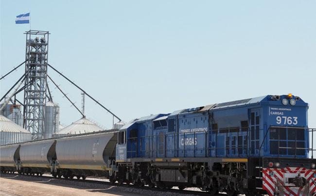 """""""El campo REACTIVA a los trenes de carga"""""""